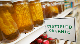 Other Notable Differences Between the benefits of Raw And Processed Honey